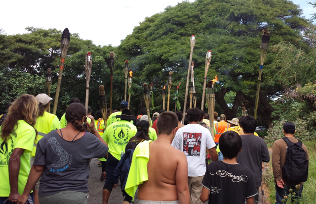 HAWAIIANS END 193 MILE MARCH AROUND MAUI: 14 exclusive  photos taken with themarchers