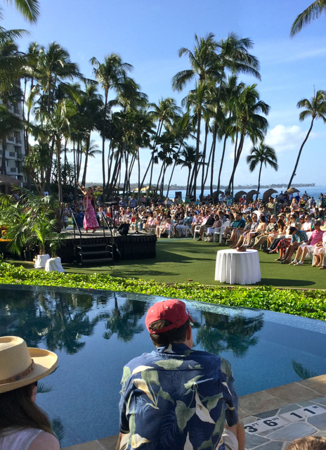 What something special did 500 people on Maui who attended Easter Service get?