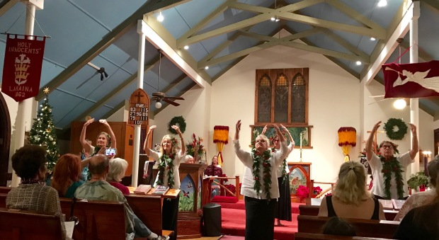 christmas-holy-in-hula-3-1